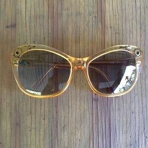 VTG French Sol-Amor Oversized Honey Sunglasses
